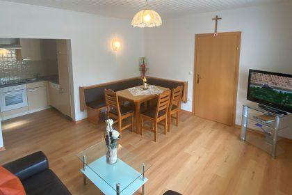 Wohnesszimmer - Ledercouch - Essecke