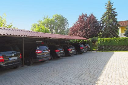 Carport included for each apartement